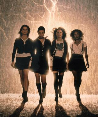 '90s Teen Horror Movie The Craft Is Getting Remade