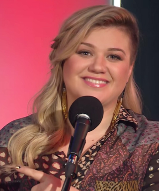 """Kelly Clarkson Covers Rihanna's """"Bitch Better Have My Money"""" and It's Amazing"""