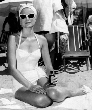 Your 10-Item Checklist to Be a Beach Bombshell (Just Like Grace Kelly)