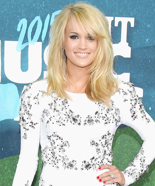 Carrie Underwood Shows Off Her Incredible Post-Baby Body at the 2015 CMT Music Awards
