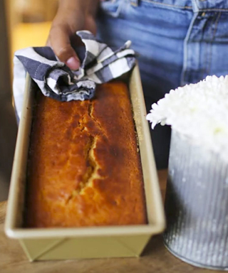 Bake Up NBA-Star Steph Curry's Favorite Pound Cake