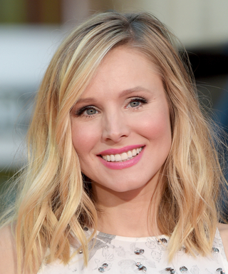Kristen Bell Joins Instagram with an Adorable Photo of Her and Dax Shepard Kissing