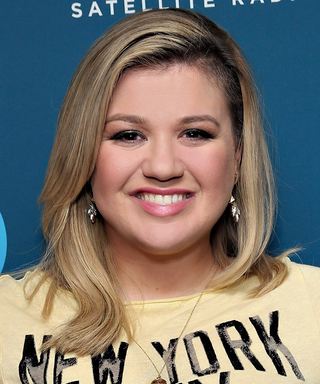 """Kelly Clarkson's Cover of Taylor Swift's """"Blank Space"""" Will Blow You Away"""
