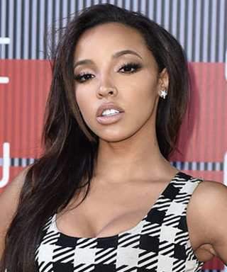 "Tinashe's 2015 VMAs Red Carpet Look Is Inspired By ""'90s Supermodels"""