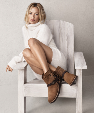 Why Carolyn Murphy Prefers Staying Classic to Keeping Up with Trends