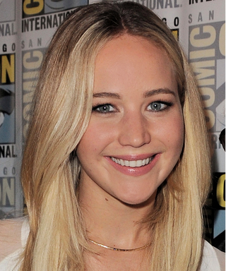 Jennifer Lawrence Debuts Platinum Blonde Hair on the Passengers Set
