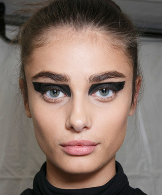 See the Hottest Beauty Trends from Paris Spring 2016 Fashion Week