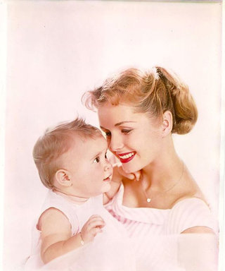 Debbie Reynolds Celebrates Her Daughter Carrie Fisher's Birthday with a Beautiful Vintage Photo