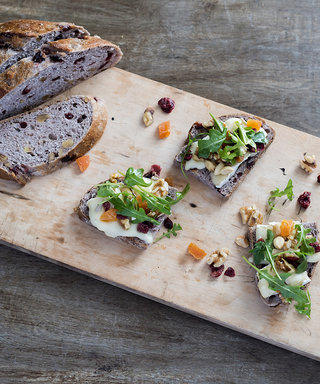This 4-Ingredient Thanksgiving Appetizer Will Rival the Feast Itself