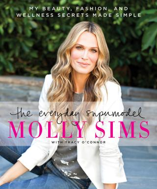 """Molly Sims on Pregnancy, Meatless Mondays, and How to Be an """"Everyday"""" Supermodel"""
