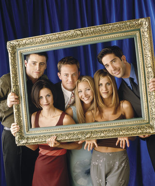 See Kaley Cuoco's Epic Photo of the Reunited Friends Cast