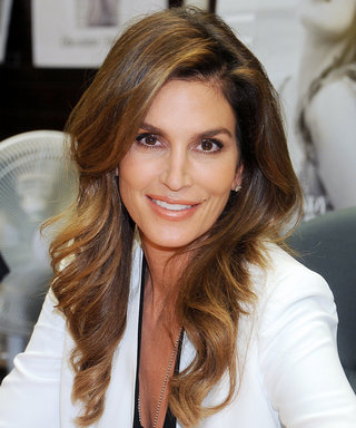 Cindy Crawford Celebrates Her 50th Birthday with a Gorgeous No-Makeup Selfie