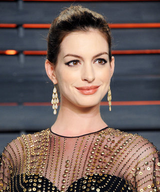 Anne Hathaway's Casual Maternity Style Keeps on Rocking—See Her Latest Spot-On Ensemble