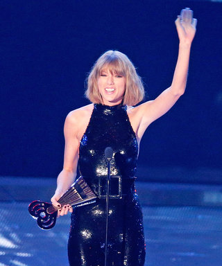 "Taylor Swift Thanks Her ""Amazing"" Boyfriend Calvin Harris After Accepting iHeartRadio Music Award"