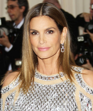 Cindy Crawford's Latest #Fitspo Pic Is Making Us Want to Run to the Gym