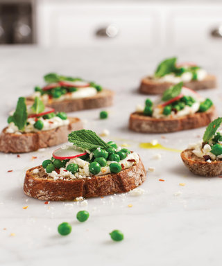 Learn to Love Peas with this Fresh Crostini Recipe