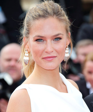 "Bar Refaeli and Her Baby Bump Hit the Gym: ""No Excuses"""