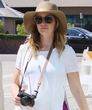 Emily Blunt Shows Off Her Casual-Cool Maternity Style in Fuchsia Pants