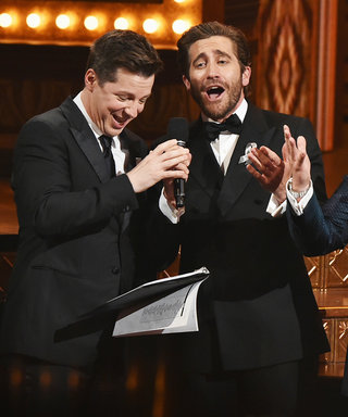 "Tony Awards 2016: Jake Gyllenhaal, Sean Hayes, and James Corden Sing ""A Whole New World"""