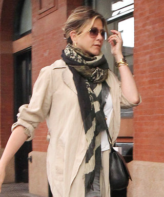 You'll Want to Copy Jennifer Aniston's Casual-Cool Street Style Look, Stat
