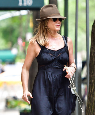 Jennifer Aniston Does Casual-Chic Right in a Curve-Flattering Black Dress