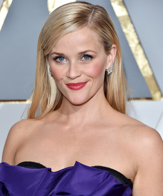 Reese Witherspoon Demos How to Recreate the #BendAndSnap on Legally Blonde's 15th Anniversary