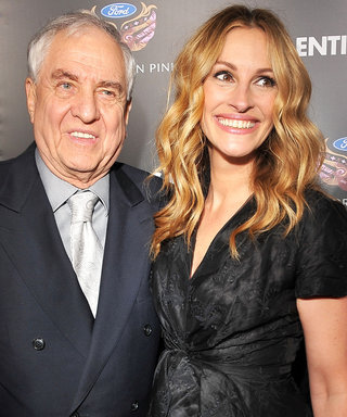 "Julia Roberts Pays Tribute to Garry Marshall: ""His Love Was Unconditional"""