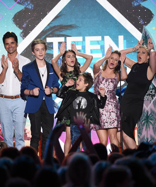 Fuller House'sCast Gives Us Full-Blown '90s Nostalgia at the 2016 Teen Choice Awards