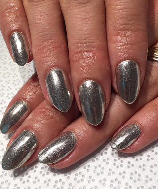 Chrome Manicures Are the Hottest #Trending Nail Look on Instagram