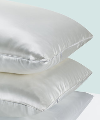What Does Sleeping on a Silk Pillowcase Actually Do for Your Hair and Skin?