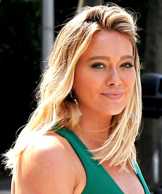 Hilary Duff Shows Off Her Curves in a Green, Body-Hugging Dress