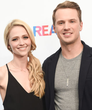 "UnREAL Stars Freddie Stroma and Johanna Braddy Are Planning a ""Super Bridal"" Wedding"