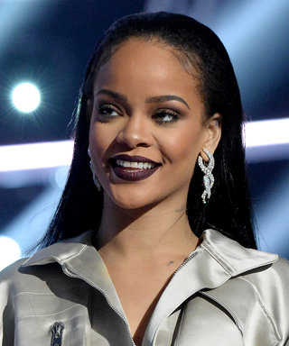 Rihanna's Vampy Lip Stole the Show at the 2016 VMAs