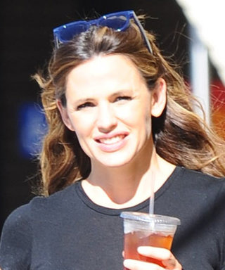 Jennifer Garner Nails Laid-Back Los Angeles Street Style