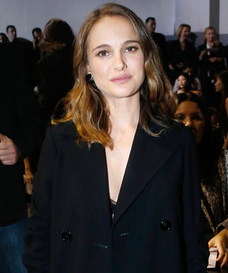 Natalie Portman Keeps Her Maternity Look Simple and Elegant at Dior's PFW Show