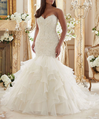 13 Beautiful Wedding Gowns for Curvy Figures