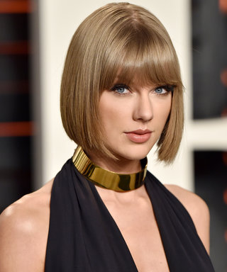 Taylor Swift Posts an Amazing Throwback on the 10th Anniversary of her First Album