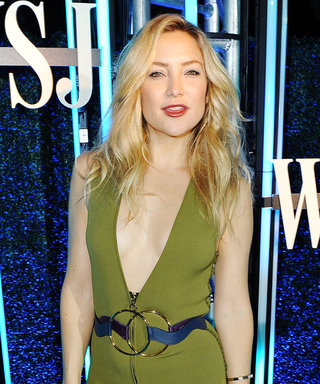 Kate Hudson Smolders in a Plunging Green Gown