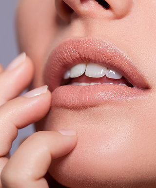 A Vlogger Is Using Your Favorite Sushi Topping as a Lip Plumper