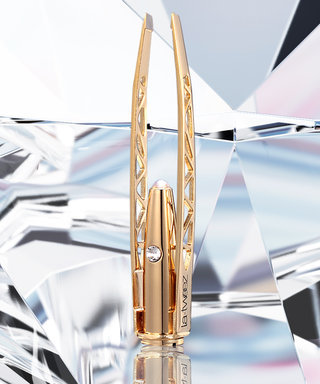 Are Illuminating Tweezers the Answer to Not Over-Plucking Your Brows?