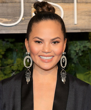 Outback Gave Chrissy Teigen a Private Bloomin' Onion Cooking Lesson