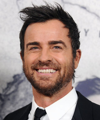 Justin Theroux Shows Off His Muscular Arms in Quirky Message Tank