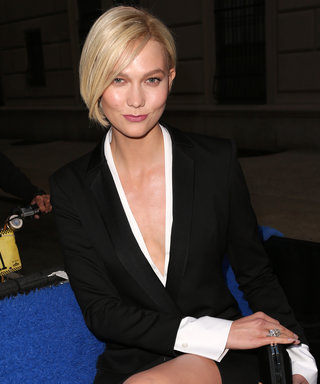 Karlie Kloss Turns a N.Y.C. Pedicab Into a Stylish Ride to The Met Gala