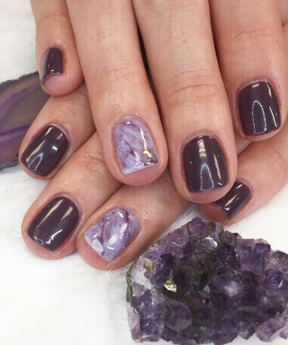 Crystal-Inspired Manicures Are Giving Us Some Serious Good Vibes
