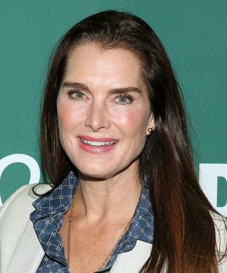 Brooke Shields Swaps Out Heels for Flip Flops, Is Like Us
