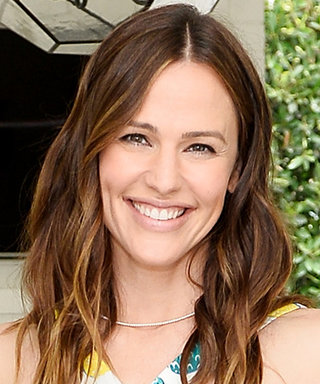 Jennifer Garner Is Making Pastel Pineapple Print a Thing