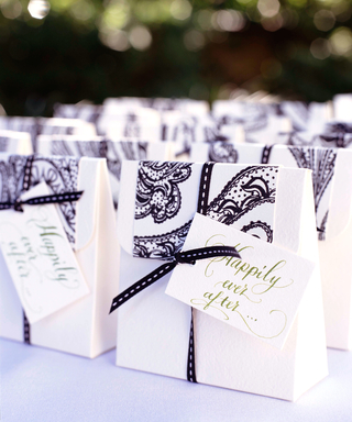 10 Gift Ideas to Drop Into Your Wedding Welcome Bags