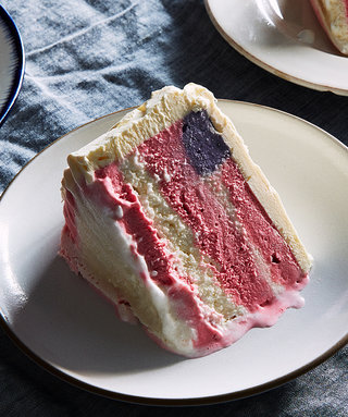How To Make An Easy, No Bake, Ice Cream Flag Cake