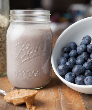 After the Holiday Weekend, Detox with this Nutritionist-Approved Blueberry Smoothie