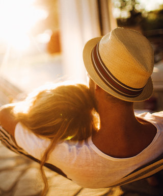5 Page-Turning Books to Bring on Your Honeymoon